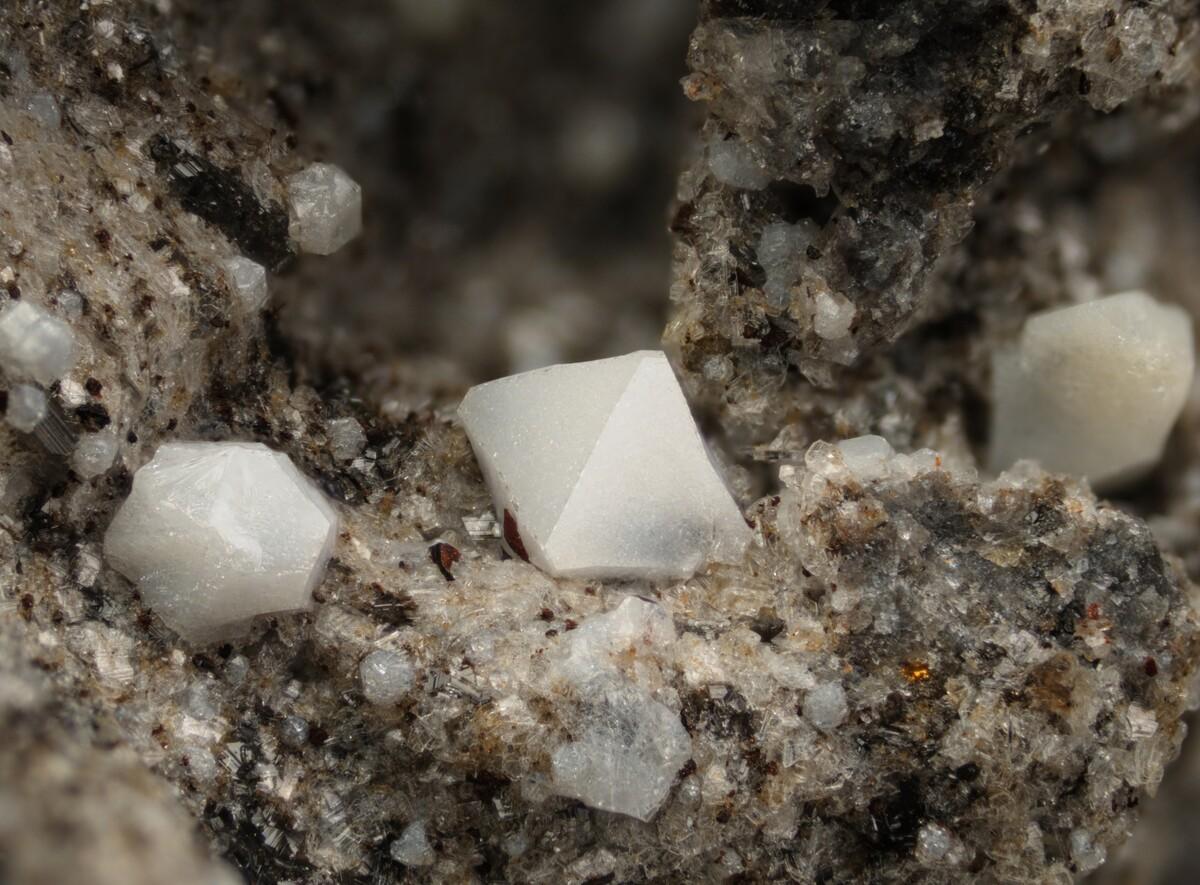 Mineralienatlas Lexikon - Cristobalite