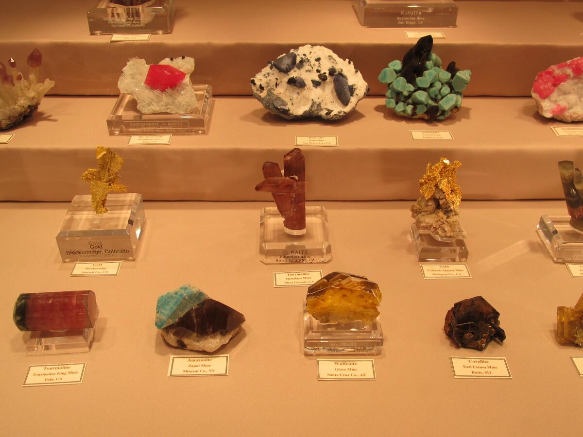 mineralienatlas lexikon bildanzeige mineralien aus dem westen der usa. Black Bedroom Furniture Sets. Home Design Ideas